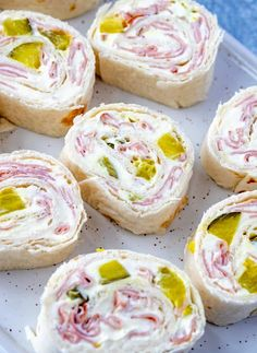 Dip Pinwheels Want a fun picnic appetizer? These Pickle Dip Pinwheels are quick, easy and super addicting.Want a fun picnic appetizer? These Pickle Dip Pinwheels are quick, easy and super addicting. Appetizer Dips, Appetizers For Party, Appetizer Recipes, Dip Recipes, Tortilla Roll Ups Appetizers, Roll Ups Tortilla, Appetizers With Cream Cheese, Cheap Party Snacks, Sandwich Appetizers