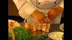 """Ottavo menu """"Il pranzo di Natale"""" - Terrina di anguilla e carciofi - Ravioli con salsa al foie gras - Cappone farcito in crosta - Kougelhof natalizio"""
