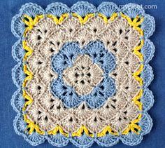 Crochet Squares Design Crochet Square BlanketThis crochet pattern / tutorial is available for free. Full post: Crochet Square Blanket - Crochet Square BlanketThis crochet pattern / tutorial is available for free. Picot Crochet, Crochet Motifs, Manta Crochet, Crochet Stitches Patterns, Crochet Designs, Stitch Patterns, Crochet Flower, Crochet Square Blanket, Crochet Blocks