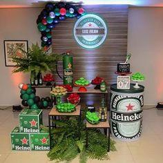 Que bacana essa festa . Beer Birthday Party, 40th Birthday Parties, Man Birthday, Birthday Party Decorations, Ideas Decoracion Cumpleaños, Man Party, Backdrops For Parties, Edilson, Party Ideas