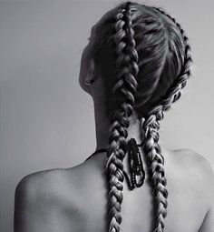 From classic braided hairstyles like french to more complicated five strand styles, check out these 40 different types of braids for unique and pretty styles. Bad Hair, Hair Day, Messy Hairstyles, Pretty Hairstyles, Updo Hairstyle, Protective Hairstyles, Wedding Hairstyles, Inverted French Braid, Double Braid