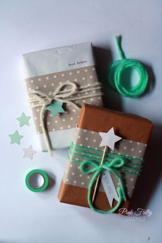 Christmas Gift Wrapping Ideas for Everyone on Your List yarn wrapped giftsyarn wrapped gifts Creative Gift Wrapping, Creative Gifts, Diy Wrapping, Wrapping Presents, Wrapping Papers, Christmas Gift Wrapping, Christmas Crafts, Simple Christmas, Beautiful Christmas