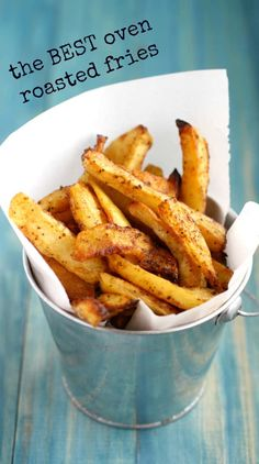 Oven Roasted French Fries The best oven fries ever! Crisp, tender, and perfectly seasoned. Potato Dishes, Potato Recipes, Food Dishes, Side Dishes, Comida Pizza, Homemade French Fries, Homemade Fries In Oven, Healthy French Fries, Healthy Fries