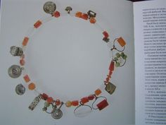 Volva necklace - view of whole necklace from the Birka grave