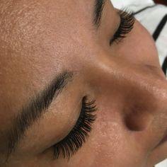 4024c940d83 Lash extensions, natural C curls, 9mm and 10mm mixed. 🌺 #lashservice #