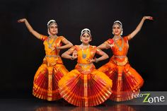 Bharatanatyam Dance Portrait Photography - FotoZone - Professional Wedding and Portrait Photographers Prom Photography Poses, Children Photography, Indian Classical Dance, Group Poses, Dance Pictures, Family Pictures, Family Posing, Family Portraits, Family Picture Outfits
