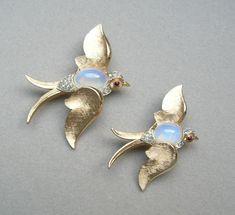 Pair (2) TRIFARI Bird SWALLOW Faux MOONSTONE JELLY BELLY PINS #Trifari