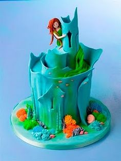 Sea Palace birthday cake by Debbie Brown (from the book Gorgeous and Gruesome Cakes for Children) mermaid-birthday-party food-and-recipies foodstuff-i-love lovable-food Fancy Cakes, Cute Cakes, Beautiful Cakes, Amazing Cakes, Fondant Cakes, Cupcake Cakes, Birthday Cake Girls, Mermaid Birthday, Fourth Birthday