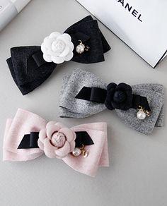 (Z-65)미니 카멜리아 리본 Ribbon Hair Bows, Diy Ribbon, Bow Hair Clips, Lace Bows, Hair Accessories For Women, Handmade Accessories, Diy Headband, Headbands, Hair Scarf Styles