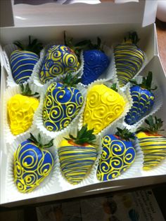 Chocolate covered strawberries #blue #yellow #babyshower