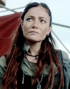 Olivia after turning pirate Black Sails Anne Bonny, Clara Paget, Black Sails Starz, Pirate Garb, Charles Vane, Golden Age Of Piracy, Pirate Queen, Avatar, Pirate Life
