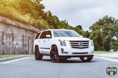2015 Cadillac Escalade On 26-Inch DUB Baller Wheels... Luv the black shoes!