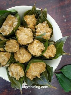 Top 12 Kerala food items - try it from God's own country. Veg Dishes, Seafood Dishes, Tasty Dishes, Healthy Meals To Cook, Healthy Cooking, Kerala Fish Curry, Prawn Masala, Fish And Chicken, Beef Curry