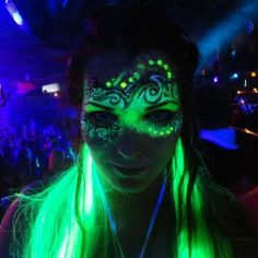 Glow makeup perfect for night time at a festival! :)