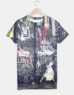 Koszulka z trwałym, obustronnym nadrukiem. Krój unisex. Produkt szyty oraz wyprodukowany jest w Bielsku-Białe