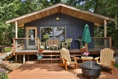 Thanks to a clever floor plan and clever design tricks, the bungalow fits three beds in just over 500 square feet.