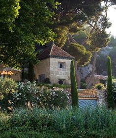 French Farmhouse Luxury: Oui, s'il vous plaît!