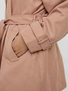 Belted trenchcoat | VERO MODA Models, Long Jackets, Jeans And Boots, Raincoat, Plus Size, Belt, How To Wear, Style, Products