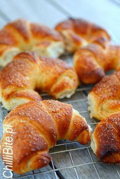 ChilliBite.pl sprawdzone przepisy kulinarne ze zdjęciami : Mięciutkie rogale maślane