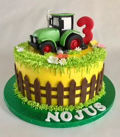 Farm tractor birthday cake You are in the right place about Birthday Cake cartoon Here we offer you the most beautiful pictures about the Birthday Cake boys you are looking for. When you examine the F 3 Year Old Birthday Cake, Tractor Birthday Cakes, Toddler Birthday Cakes, Tractor Cakes, 3rd Birthday, Funny Birthday, Cake Story, Foundant, Farm Cake