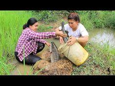 Amazing Two girls Deep Hole Fishing - How To Fishing in Battambang - Cambodia Fishing (part 64) - YouTube