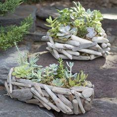 http://deavita.fr/diy-bricolage/reutiliser/bois-flotte-decorer-jardin/