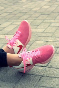 278b3ffb94c657 Domingo de relajo  Nike  Pink  Sneakers  LEBLOGdeMaud