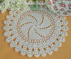 Ideas For Crochet Doilies Table Runner Place Mats Crochet Blanket Border, Crochet Pillow Patterns Free, Crochet Bikini Pattern, Crochet Lace Edging, Crochet Mandala, Crochet Flower Patterns, Thread Crochet, Cute Crochet, Crochet Crafts