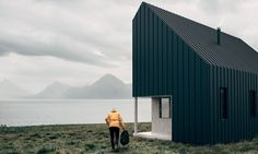Nature lovers looking to construct their own sustainable off grid getaway are going to love the new flat-pack Surf Shack shelter designed by the Backcountry Hut Company.