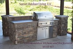 2015 outdoor kitchen by Sunset Outdoor Living, LLC. 503-831-4677