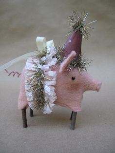 pig ornament, add wings, make out of paperclay...