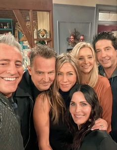 Tv: Friends, Friends Funny Moments, Friends Tv Quotes, Serie Friends, Friends Episodes, Friends Poster, Friend Memes, Friends Forever, Friends Cast Now