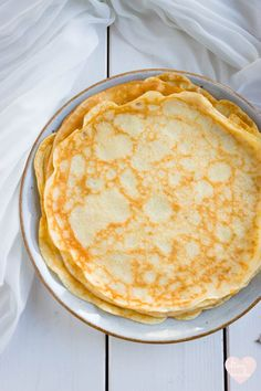 A basic recipe for French crepes. Don't you know how to make simple crepes? This… A basic recipe for French crepes. Don't you know how to make simple crepes? This easy recipe is a must know to make the best… Continue Reading → Easy Crepe Recipe, Basic Recipe, Crepe Recipe For One, French Crepes Recipe Easy, Dessert Crepe Recipe, Sweet Crepes Recipe, Dessert Recipes, Picnic Recipes, Drink Recipes