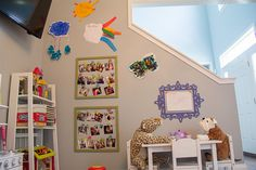 Using children's artwork in a playroom. Printicular Instagram pictures in wall art.