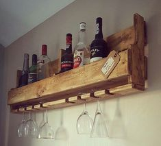Wine drinking and grape growing Wooden Pallet Projects, Wooden Pallet Furniture, Diy Furniture Projects, Wood Pallets, Pallet Wood, Barn Wood, Wood Wine Racks, Wine Rack Wall, Home Bar Rooms
