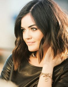 Image about beautiful in Lucy Hale by Shai_PLLaw Aria Montgomery, Pretty Little Liars Aria, Pretty Little Lairs, Lucy Hale Age, Lucie Hale, Head Band, Non Blondes, Great Hair, Bob Hairstyles
