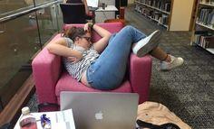 23 pessoas divertidas que esta dormindo em lugares diferente >> https://www.tediado.com.br/01/23-pessoas-divertidas-que-esta-dormindo-em-lugares-diferente/