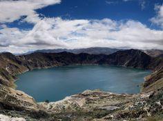 Le lac de cratère de Quilotaa, Equateur