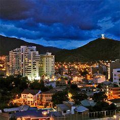 """Cochabamba es un ciudad in Bolivia. Está ciudad está en los montañas andes. El nombre """"Bolivia"""" es de la cosa para lago en el idioma Quechua."""