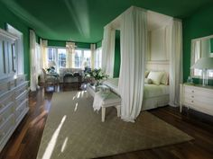 Dream Room Jade Colors Sprinkled Around the House: Ideas & Inspiration http://www.homedit.com/jade-colors-sprinkled-around-house-ideas-inspiration/