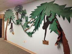 Journey Off The Map VBS: Monkeying Around with Decorations – Linda's Learning Loot Preschool Jungle, Jungle Crafts, Vbs Crafts, Diy And Crafts, Jungle Decorations, School Decorations, School Themes, Room Decorations, Jungle Theme Classroom