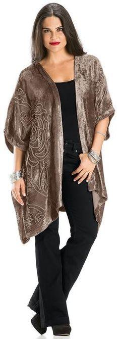 Shop Antonia Kimono: http://holyclothing.com/index.php/antonia-velvet-lace-wrap-jacket.html?utm_source=Pin #holyclothing #boho #haute #antonia #kimono #romantic #love #fashion #musthave