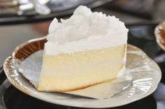 """750g vous propose la recette """"Gâteau à la noix de coco"""" notée 4/5 par 199 votants."""