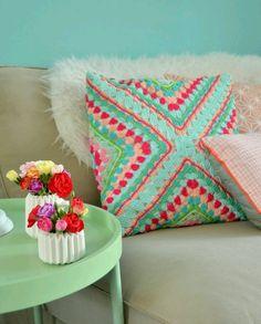 crochet-cushion-13