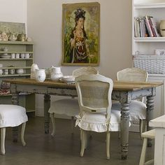 love the shabby chic vintage table & Chairs- maybe for my office