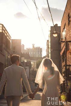 The Queen Korean Pre-wedding Photography by RaRi Studio on OneThreeOneFour 40 Pre Wedding Shoot Ideas, Pre Wedding Poses, Pre Wedding Photoshoot, Korean Wedding Photography, Couple Photography, Wedding Photo Inspiration, Bridal Pictures, Queen Queen, Photo Style