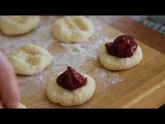 (1) Jak připravit výtečné kynuté knedlíky s ovocem - YouTube Doughnut, Cheesecake, Pudding, Food, Youtube, Cheesecakes, Custard Pudding, Essen, Puddings