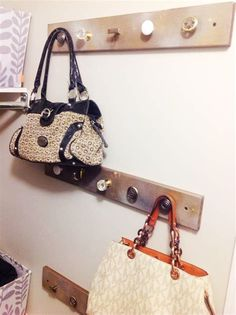 DIY Purse 20 Purse Hanger Diy How to avoid foreclosure If you see you m Cute Diy Purses, Diy Fabric Purses, How To Make Purses, Diy Bags Purses, Diy Purse Hook, Diy Purse Hanger, Purse Rack, Purse Holder, Diy Purse Organizer Pattern