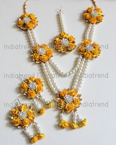 Indian Wedding Jewelry, Bridal Jewelry, Hand Jewelry, Handmade Jewelry, Etsy Jewelry, Flower Jewellery For Mehndi, Flower Jewelry, Gota Patti Jewellery, Flower Hair Accessories