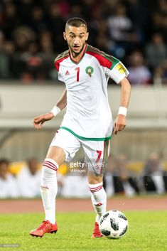 Hakim Ziyech of Morocco during the international friendly match between Morocco and Uzbekistan at the Stade Mohammed V on March 2018 in Casablanca, Morocco Neymar, Messi, Premier League, Real Madrid, Atlas, Football, Canal E, Team Usa, Champions